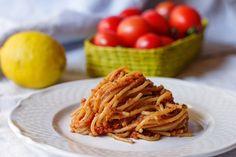 Spaghetti integrali con bottarga, pomodorini e pangrattato alle alici