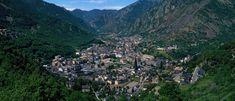 Andorra la Vella im Andorra Reiseführer http://www.abenteurer.net/2961-andorra-reisefuehrer/