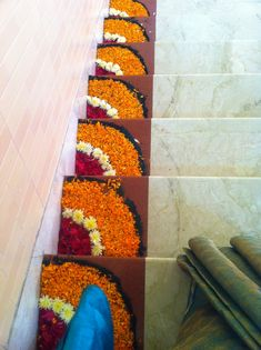 Simple Rangoli Designs Images, Rangoli Designs Flower, Colorful Rangoli Designs, Rangoli Designs Diwali, Flower Rangoli, Rangoli Patterns, Flower Designs, Welcome Home Decorations, Diwali Decorations At Home