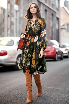 retro-floral-dress-with-suede-boots - wish the dress was in a solid colour