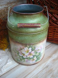 This made an idea pop into my head for an antique milk can (already have) on top of a wine crate (maybe something similar) in the corner. Antique Milk Can, Vintage Milk Can, Vintage Metal, Decoupage Art, Decoupage Vintage, Tole Painting, Painting On Wood, Painted Milk Cans, Bottles And Jars
