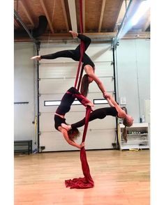 Had so much fun with you 😍 ⠀⠀⠀⠀⠀⠀⠀⠀⠀⠀⠀ ⠀⠀⠀⠀⠀⠀⠀⠀⠀⠀⠀ Aerial Gymnastics, Acrobatic Gymnastics, Aerial Dance, Aerial Hoop, Aerial Arts, Aerial Silks, Pole Dance Moves, Dance Poses, Pole Dancing