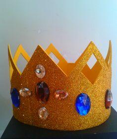Corona reyes magos en foami con gemas