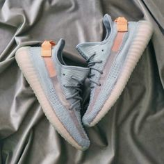 Cloud White Citrin Antlia Synth Lundmark Black Static GID Clay Cream White Zebra running shoes Kanye West mens designer shoes - picture for you Sneakers Fashion, Fashion Shoes, Shoes Sneakers, Shoes Men, Women's Shoes, Golf Shoes, Yeezy Fashion, Shoes Sport, Louboutin Shoes