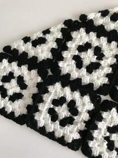 Transcendent Crochet a Solid Granny Square Ideas. Inconceivable Crochet a Solid Granny Square Ideas. Crochet Motifs, Granny Square Crochet Pattern, Afghan Crochet Patterns, Crochet Squares, Knitting Patterns, Crochet Bedspread Pattern, Granny Squares, Crochet Blanket Edging, Crochet For Beginners Blanket