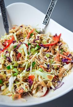 Add coriander, bean shoots, Asian Chicken Chopped Salad Paleo) - a deliciously nutritious salad with a sweet and tangy Asian dressing, free of soy or sugar! Whole 30 Diet, Paleo Whole 30, Whole 30 Meals, Whole 30 Salads, Whole 30 Lunch, Paleo Recipes, Whole Food Recipes, Cooking Recipes, Cooking Food
