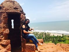 Cliched and Bollywoody again!! The Chapora fort, Goa, the iconic Dil Chahata hai wala fort :) . . . #travel #travelgram #traveldiaries #instatravel #india #indiatravelgram #goa #goadiaries #fort #may #summer #ootd #outfit #outfitoftheday #denim #jeans #coldshoulder #black #igers #ig_india #IgIndia #igersindia #sunny #view #nature http://tipsrazzi.com/ipost/1523829341602282999/?code=BUlurZshX33