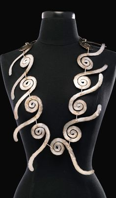 Necklace | Alexander Calder.  Silver and silver wire.  ca. 1945 | 235'000$ ~ sold (May '14)