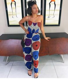 Pagne Wax on In. - New Wood Crafting African Fashion Ankara, African Print Fashion, Africa Fashion, African Wear, African Attire, African Women, African Dress, Nigerian Fashion, African Prints