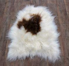 IJslandse schapenvacht langhaar  wit-bruin nr 1642