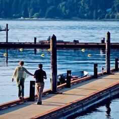 I love the Hood Canal! Where else can you camp, motel it, clams, crabs, oysters, fishing?