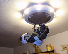 GlaDOS ceiling lamp that moves