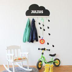 Kindergarderobe ganz einfach gemacht: Mit IKEA TJUSIG Wandhaken und Limmaland Wandtattoo. Stylisch und praktisch - in fünf verschiedenen Farben im Shop erhältlich! Mit Wunschtext personalisieren... Damit jeder weiß, wo die Jacke ihren Platz findet ;-)