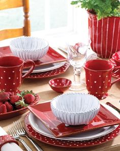 red dishes -(source: pinterest.com)