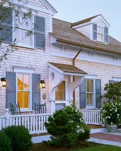 55 best cape cod style houses images cottage exterior homes rh pinterest com Colonial Style House Victorian Style House