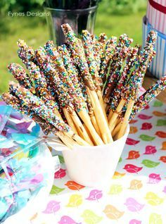 Dip Bread sticks in melted chocolate chips and roll in sprinkles- Yummy party snack! Sweet details from a birthday party. Lots of DIY yummy birthday party treats, decor, and crafts. Birthday Party Treats, Snacks Für Party, 4th Birthday Parties, Birthday Fun, Kid Party Foods, Party Sweets, Birthday Desserts, Themed Parties, Bolo Confetti