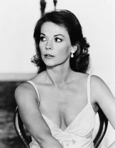 'From here to eternity' 1980 Vintage Hollywood, Hollywood Glamour, Hollywood Stars, Classic Hollywood, Natalie Wood, Cinema Tv, Splendour In The Grass, Actrices Hollywood, Vintage Glamour