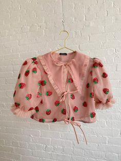 Pretty Outfits, Cool Outfits, Fashion Outfits, Womens Fashion, Strawberry Shirt, Look Retro, Kawaii Clothes, Kawaii Fashion, Aesthetic Clothes