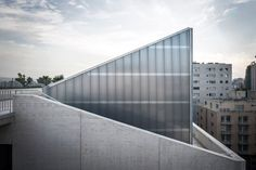 New USJ Campus / Y.TOHME and 109Architectes
