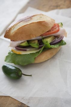 Tortas de Pavo y Aguacate (Turkey and Avocado Sandwich)