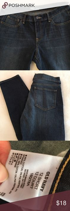 "Old Navy Flirt Jeans Old Navy Flirt Jeans. Never worn:(  Straight inseam of 28.5"" waist 18.5"" front rise 9.5"". Perfect condition, stretchy but not so much that it sags👍🏻 size 12 short. Old Navy Jeans Straight Leg"