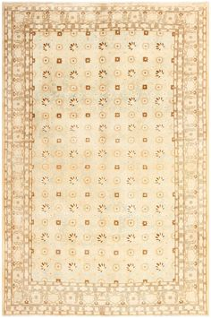 Antique Persian Tabriz Rug, Country of Origin: Persia, Circa Date: 1920  7 ft x 10 ft 8 in (2.13 m x 3.25 m)