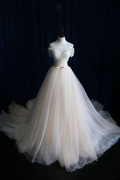 Wedding Dresses,Wedding Dress,Wedding Gown,Bridal Gown,Bride Dresses, Off-shoulder Wedding Dress,Tulle Bridal Dress,Pleat Bridal Dresses