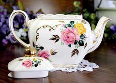 Sadler Cube Teapot, Pink & Yellow, Cabbage Roses Motif, Sadler T – The Vintage Teacup Tea Pot Set, Pot Sets, Cubes, Pots, Cabbage Roses, Old World Charm, Pink Yellow, Teacup, 1930s