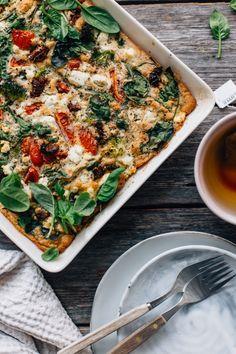 Sunday brunch recipes - oven pancakes - Savory Oven Pancake w/ Greens & Feta Healthy Breakfast Recipes, Brunch Recipes, Vegetarian Recipes, Healthy Recipes, Vegetarian Dinners, Breakfast Ideas, Healthy Foods, Baking Powder Uses, Baking Soda Uses
