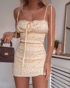 Trend Clothes & Fashion Looks For Your Street Style Outfit Ideas, Mode Outfits, Trendy Outfits, Fashion Outfits, Dress Fashion, Mode Inspiration, Aesthetic Clothes, Look Fashion, 2000s Fashion, Fashion Art