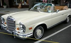 a vintage Mercedes convertible. Butter creme yellow, please. a vintage Mercedes convertible. Butter creme yellow, please. Mercedes Auto, Mercedes Benz Autos, Old Mercedes, Classic Mercedes, Mercedes Sedan, Mercedes W114, Dream Cars, Mercedes Convertible, Carl Benz