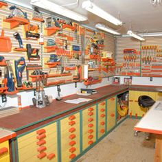 Woodworking Shop Setup - What's The Ideal Layout? - Woodworking World Garage Workshop Plans, Workshop Storage, Workshop Organization, Home Workshop, Garage Organization, Tool Storage, Garage Storage, Workshop Ideas, Organization Ideas
