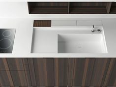I Love boffi! I love corian! Wood and corian (? the Aprile kitchen by Boffi. Modern Kitchen Sinks, Kitchen Sink Design, Interior Design Kitchen, Kitchen And Bath, Stylish Kitchen, Corian Sink, Corian Countertops, Corian Top, Dupont Corian