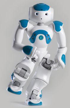 Nao le petit robot programmable. Mon Juju Richard est développeur sur le projet ! Je sponsorise :p