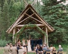 Just across the mountain from Telluride, Dunton Hot Springs Resort is a romantic ghost town, set in an extraordinary alpine valley.  Floral Design: Siempre Flores  Jenna Walker Photographers