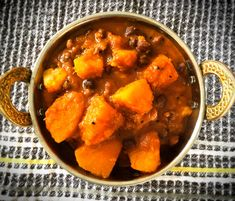 Indian Cuisine chicken -- CLICK Visit link above for more info Healthy Diet Recipes, Veggie Recipes, Indian Food Recipes, Vegetarian Recipes, Ethnic Recipes, Cooking Recipes, Pumpkin Dishes, Pumpkin Recipes, Curry Side Dishes