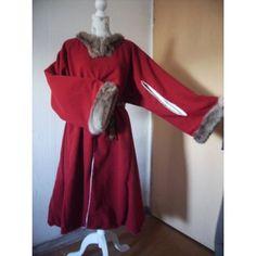 Roter Gardecorps aus Wolle mit Pelzbesatz
