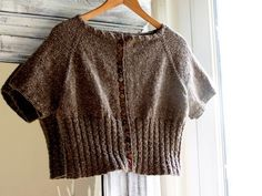 Gilet PEGGY SUE... Free on Ravelry .... another version of this lovely little cardi