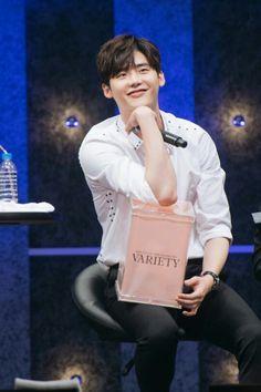 Lee jong suk fan meeting ♥♥