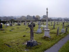 Túmulos antigos no cemitério de Cuckfield