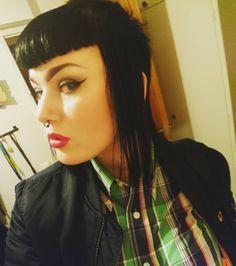 Chelsea Cut, Chelsea Girls, Punk Rock Girls, Skinhead Girl, Skin Head, Pin Up Looks, Mod Girl, Extreme Hair, Pin Up Girls
