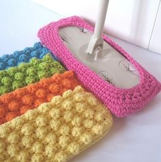 Crochet pattern for a reusable (and eco-friendly) swiffer cover.  Use the textured side for the dry mop and then reverse it to use the other side to wet mop.