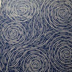 Dot painting creates waves and swirls Aboriginal Dot Painting, Aboriginal Artists, Aboriginal Patterns, Motifs Animal, Australian Art, Indigenous Art, Native Art, Mandala Art, Painting Techniques