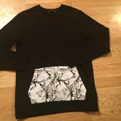 FOREVER21 blanc crew neck sweatshirt gray marble M Cool sweatshirt from the f21 men's dept size m. Never worn black with a marble print front pocket Forever 21 Tops Sweatshirts & Hoodies