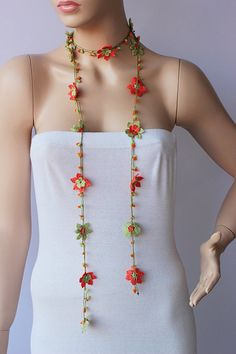 Crochet Strand oya necklace jewelry / Turkish oya by SenasShop Crochet Strand oya necklace jewelry / Turkish oya necklace / crochet flower necklace – Ashley Johnson – Join the world of pin This Turkish yoya jumper is crocheted. ● The material: Nylon Thread Crochet, Crochet Hooks, Knit Crochet, Flower Necklace, Crochet Necklace, Beaded Necklace, Flower Jewelry, Crochet Flower Patterns, Crochet Flowers