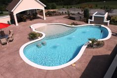 Need help visualizing your new inground pool? Maybe these photographs of recently built Aloha Pools will stimulate your imagination. Backyard Pool Landscaping, Backyard Pool Designs, Small Backyard Pools, Zero Entry Pool, Beach Entry Pool, Swimming Pools Backyard, Swimming Pool Designs, Gunite Pool, Dream Pools