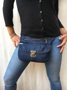 Cute Fanny Pack, Leather Bag Pattern, Hip Bag, Easy Sewing Projects, Couture, Cosmetic Bag, Ideias Fashion, Tote Bag, Purses