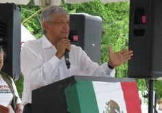 Andrés Manuel López Obrador felicitó de manera solidaria a los maestros de México en su día y les dijo que ''no están solos'', pues su partido, Morena, está con el magisterio nacional. Asimismo, el ex candidato presidencial adelantó que Morena suscribirá el próximo 20 de mayo un acuerdo con los profesores del estado de […]