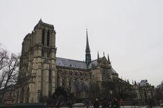 흐린날의 노트르담대성당 #프랑스 #파리 #노트르담대성당 #노트르담 #잡스타그램 #막스타그램 #셀스타그램 #셀카 #여행 #유럽여행 #france #paris #notredame #travel #traveler #travelgram #daily #selstagram by nillababy3