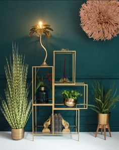 Color crush: groen met goud combineren in je interieur Color crush: combining green with gold in your interior – Everything to make your home your Home Living Room Green, Bedroom Green, Living Room Decor, Dining Room, Teal Living Rooms, Art Deco Interior Living Room, Teal Bedroom Decor, Peacock Bedroom, Interior Livingroom